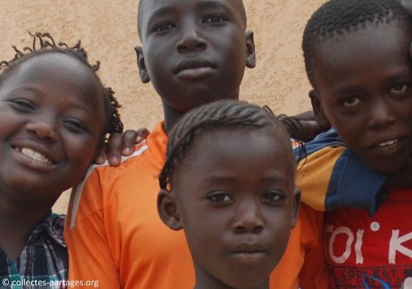 10-les-enfants-les-eleves-inauguration-de-lecole-cherif-iii-a-rufisque-en-banlieue-de-dakar