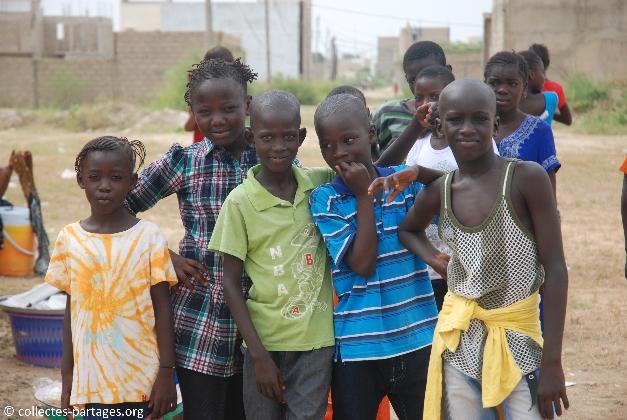 12-les-enfants-les-eleves-inauguration-de-lecole-cherif-iii-a-rufisque-en-banlieue-de-dakar