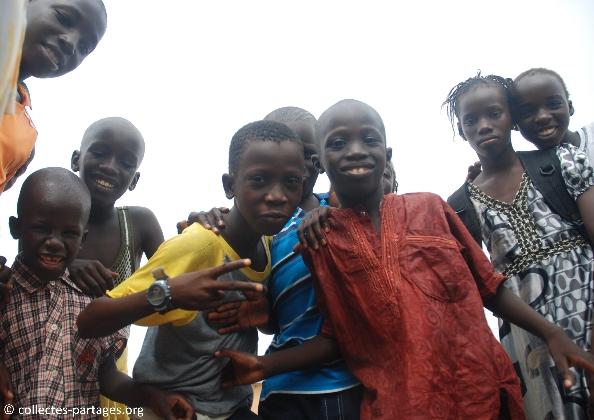 14-les-enfants-les-eleves-inauguration-de-lecole-cherif-iii-a-rufisque-en-banlieue-de-dakar