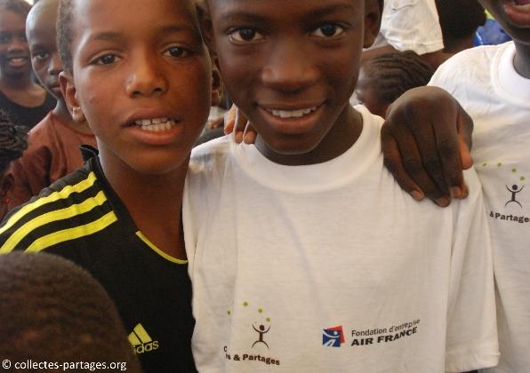65-les-enfants-les-eleves-inauguration-de-lecole-cherif-iii-a-rufisque-en-banlieue-de-dakar-jpg