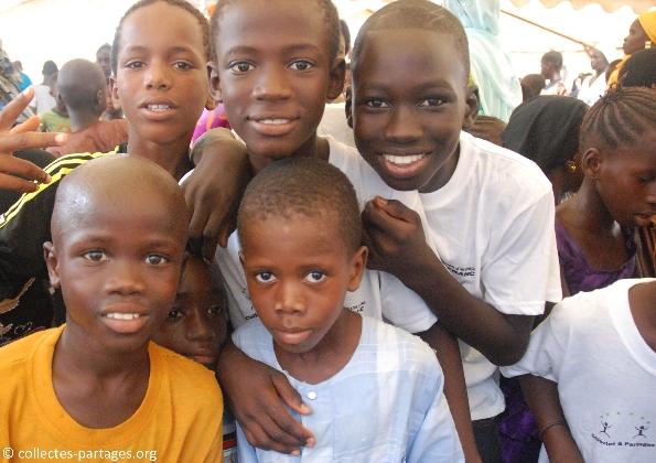 66-les-enfants-les-eleves-inauguration-de-lecole-cherif-iii-a-rufisque-en-banlieue-de-dakar-jpg