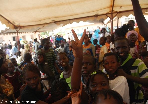 67-les-enfants-les-eleves-inauguration-de-lecole-cherif-iii-a-rufisque-en-banlieue-de-dakar-jpg