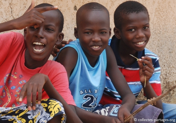 8-les-enfants-les-eleves-inauguration-de-lecole-cherif-iii-a-rufisque-en-banlieue-de-dakar