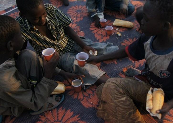 Nouriture & hydratation aux enfants