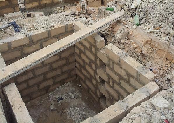 9-debut-de-la-construction-des-sanitaires