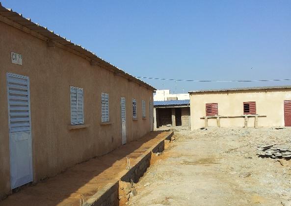 4-batiments-renoves-et-sanitaires-en-cours-de-construction