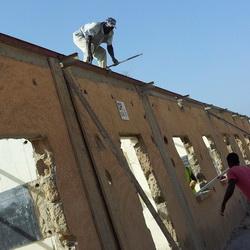 Les travaux de réhabilitation de l'école Chérif III en banlieue de Dakar