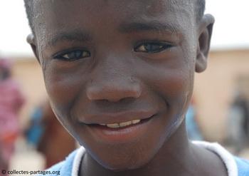 La chaleur, et ses effets. Inauguration de l'ecole Cherif III a Rufisque, en banlieue de Dakar.jpg