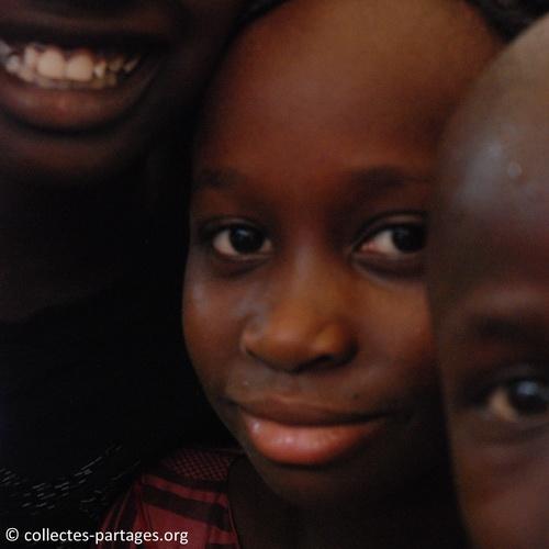 La joie et les sourires. Inauguration de l'ecole Cherif III a Rufisque, en banlieue de Dakar