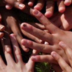 L'exemple d'une main tendue, un nouvel espoir pour les enfants démunis…