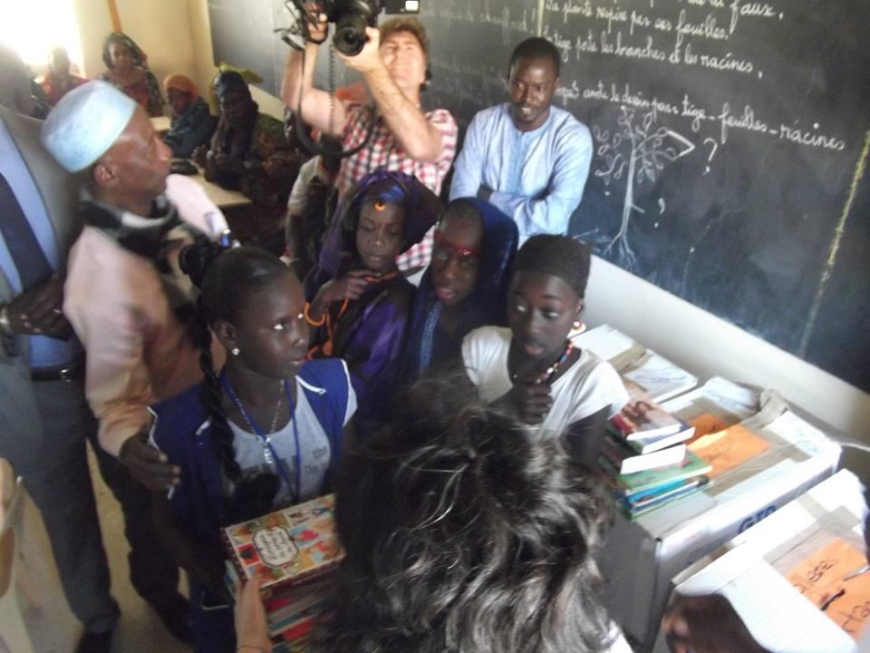 10. Cargo France distribution des livres a lecole1