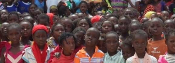 Remise de dons à l'école de Gade Haye au Sénégal